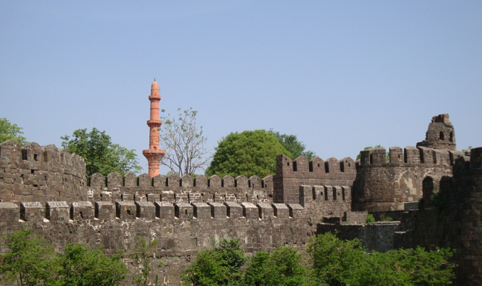 Aurangabad to Shirdi Cab/Taxi Aurangabad Chand Minar