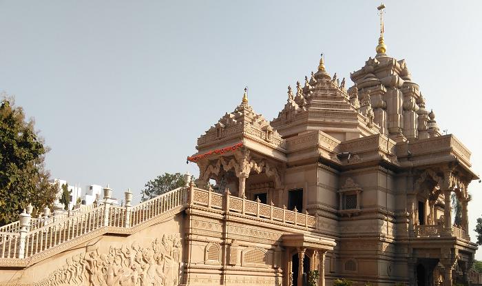 Nashik to Ahmednagar Cab/Taxi Ahmednagar Temple