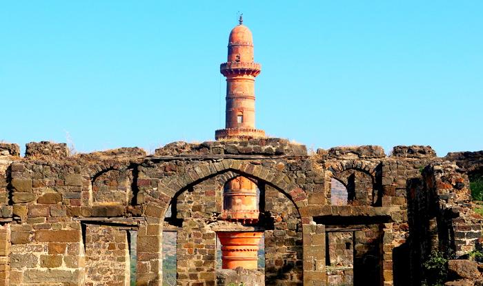 Nashik to Aurangabad Daulatabad Chand Minar