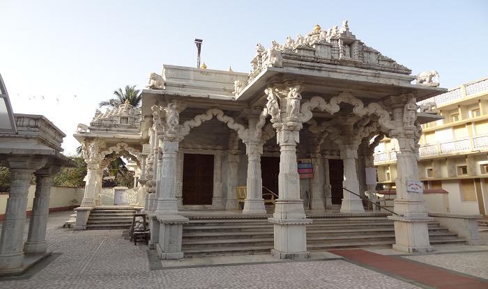 Nashik to Daman Cab/Taxi Jain Temple Daman