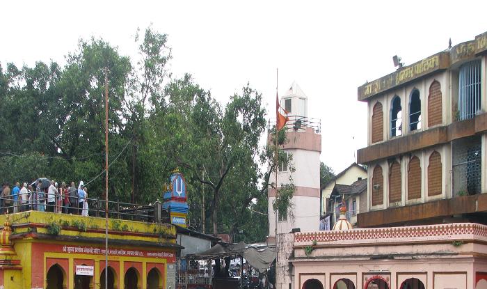 Nashik to Shani-Shingnapur Cab/Taxi Nashik Ramkund