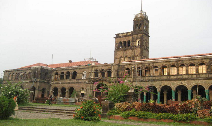 Pune to Shirdi Cab/Taxi Pune University