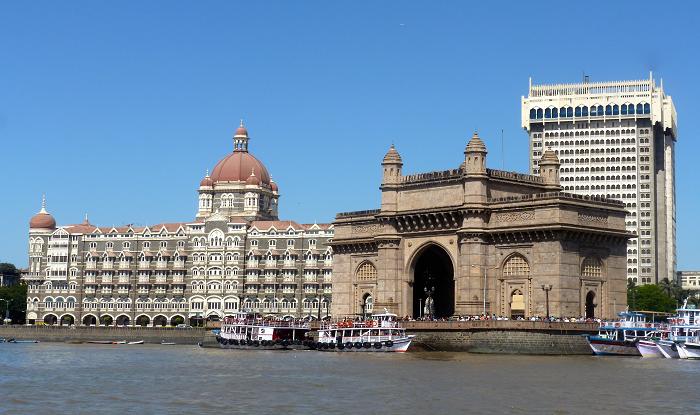 Shirdi to Mumbai Cab/Taxi Munbai Taj Mahal